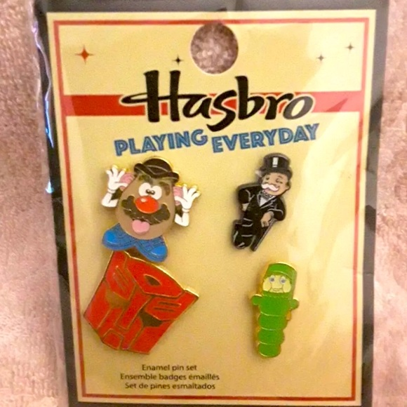 Hasbro Funko 4 pc pin button set Mr potato head!